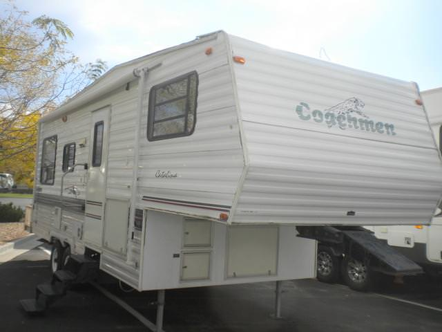 Buy a Used Coachmen Catalina in Draper, UT.
