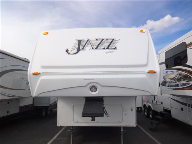 Used 2008 Thor Jazz 2550RL Fifth Wheel For Sale