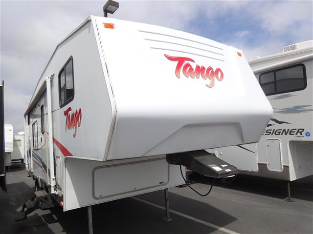 Used 2008 Pacific Coachworks Tango 2590BH Fifth Wheel For Sale