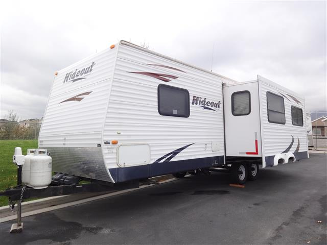 Used 2008 Keystone Hideout 26RLS Travel Trailer For Sale