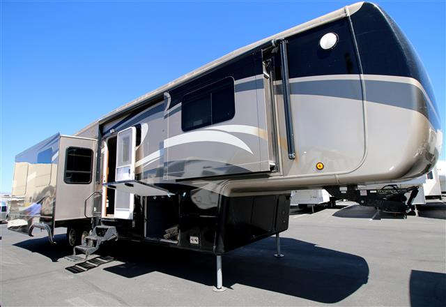 2012 Double Tree RV Mobile Suites