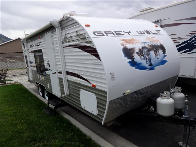 Used 2013 GREY WOLF Cherokee 23BD Travel Trailer For Sale