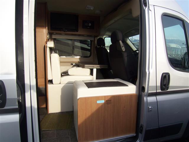 used 2014 winnebago travato class b for sale in kaysville. Black Bedroom Furniture Sets. Home Design Ideas