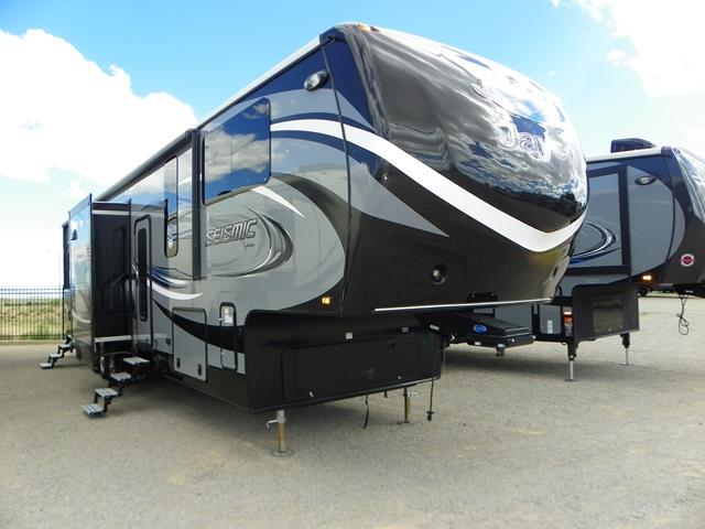 New 2016 Jayco SEISMIC 4112 Fifth Wheel Toyhauler For Sale