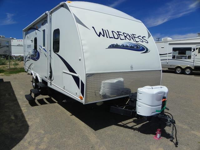 Used 2013 Heartland Wilderness 2250BH Travel Trailer For Sale