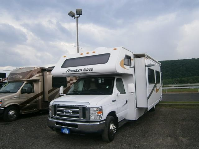 Buy a Used Thor Four Winds in Bath, NY.