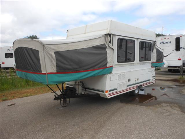 Buy a Used FOUR SEASONS Yosemite in Houghton Lake, MI.