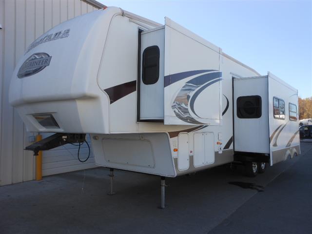 Used 2009 Keystone Mountaineer 347PHT Fifth Wheel For Sale