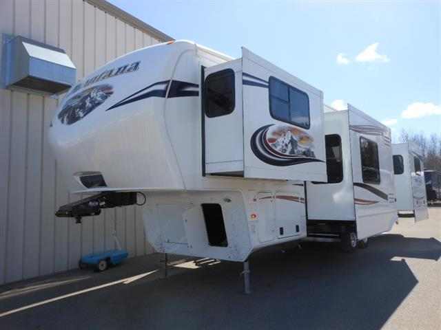 Used 2013 Keystone Mountianeer 375 Fifth Wheel For Sale