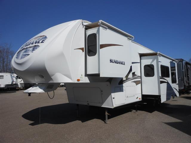 Used 2010 Heartland Sundance 3300RLB Fifth Wheel For Sale