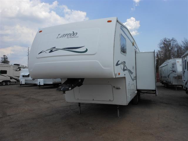 Used 2002 Keystone Laredo 26RL Fifth Wheel For Sale