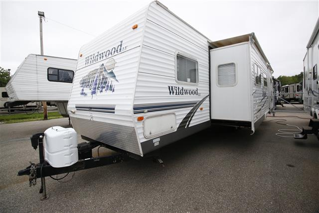 Used 2006 Forest River Wildwood 30BHBS Travel Trailer For Sale
