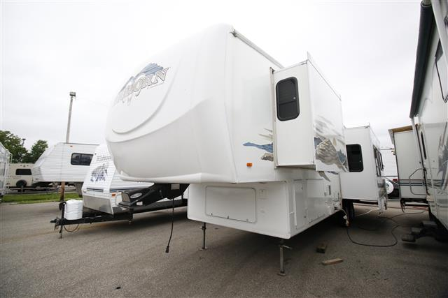 Used 2006 Heartland Big Horn 3200 Fifth Wheel For Sale