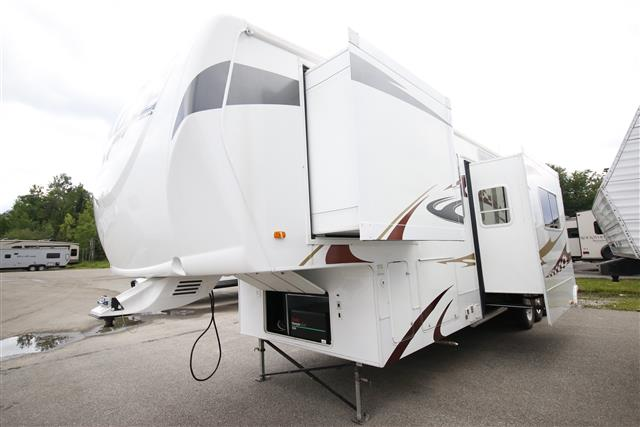 Used 2009 Heartland Cyclone 3914 Fifth Wheel Toyhauler For Sale