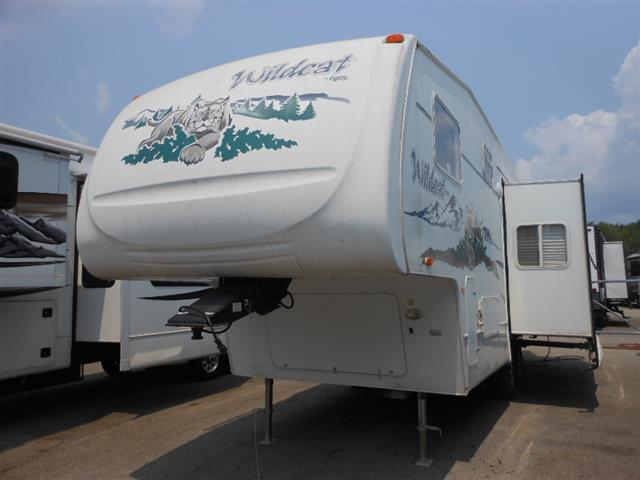 Used 2006 Forest River Wildcat 27RL Fifth Wheel For Sale