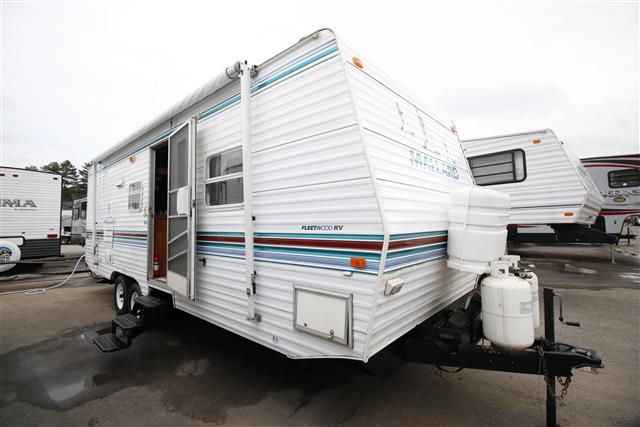 Used 2000 Fleetwood Mallard 26E Travel Trailer For Sale