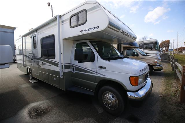Used 2006 Fleetwood Jamboree 29V Class C For Sale
