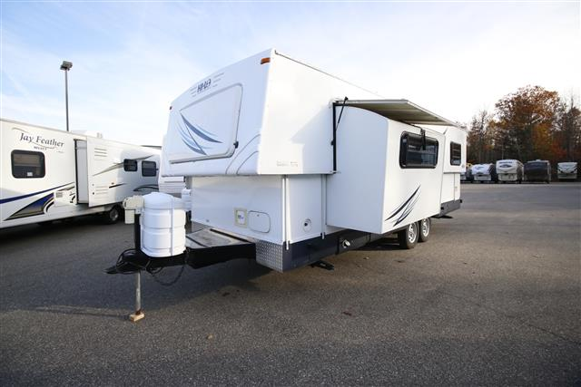 Used 2008 Hi-Lo Hi Lo 2708T Travel Trailer For Sale
