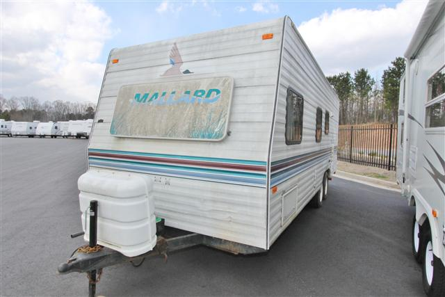 Buy a Used Fleetwood Mallard in Oakwood, GA.