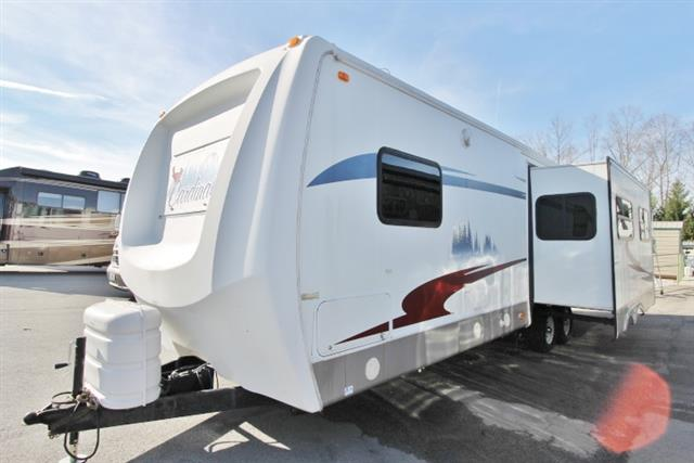 Used 2006 Forest River Cardinal 312BH Travel Trailer For Sale
