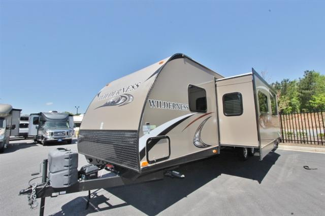 Used 2014 Heartland Wilderness 3150DS Travel Trailer For Sale