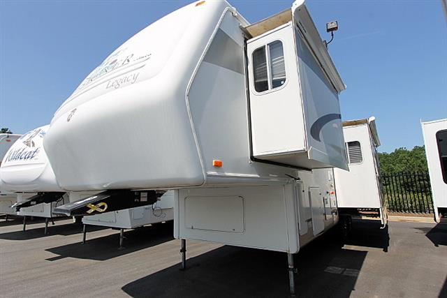 Used 2005 Jayco Designer Legacy 31RLS Fifth Wheel For Sale