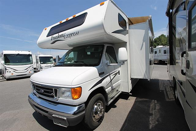 2008 Coachmen Freedom Express