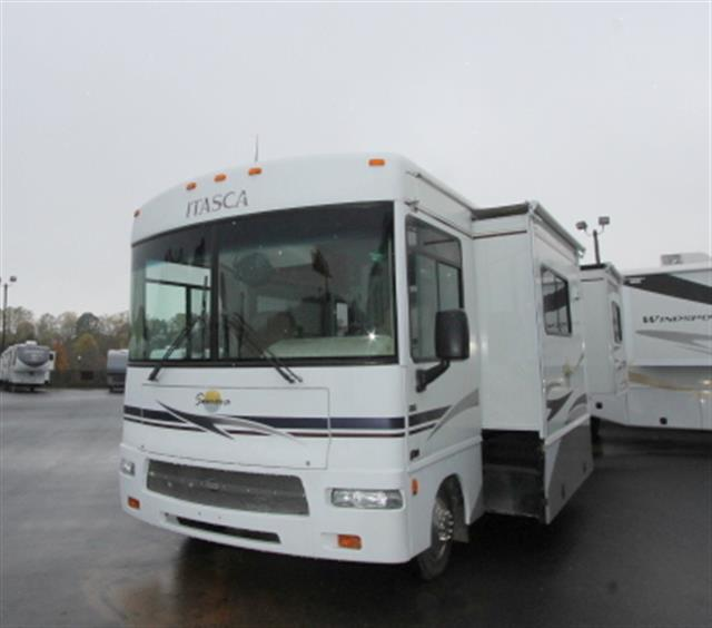 Used 2005 Itasca Sunova 29R Class A - Gas For Sale