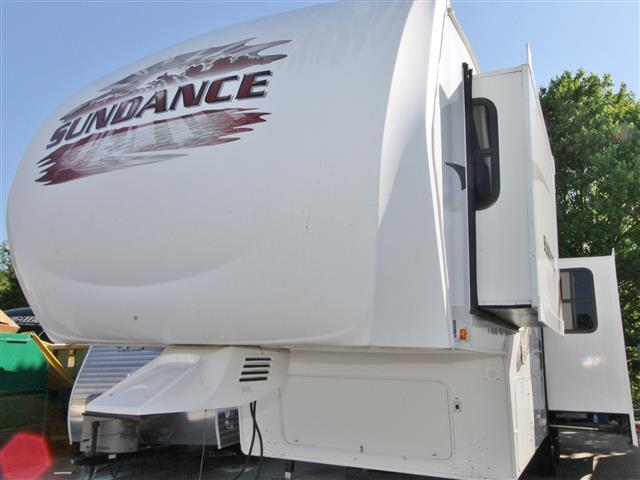 Used 2009 Heartland Sundance 2900MK Fifth Wheel For Sale