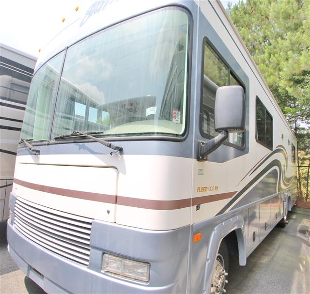Used 2000 Fleetwood Storm 30H Class A - Gas For Sale