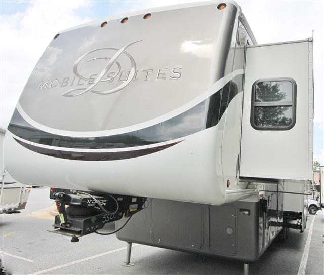 2011 Double Tree Mobile Suites