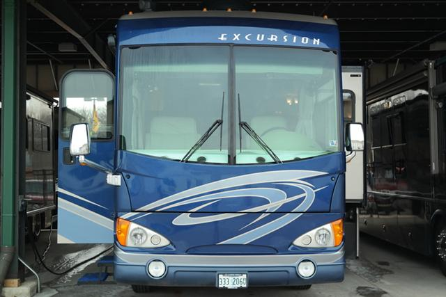 Buy a Used Fleetwood Excursion in Wauconda, IL.
