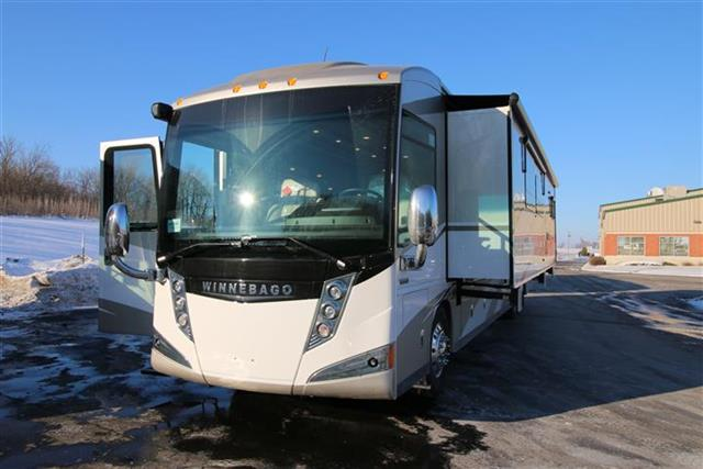 Buy a New Winnebago Tour in Wauconda, IL.
