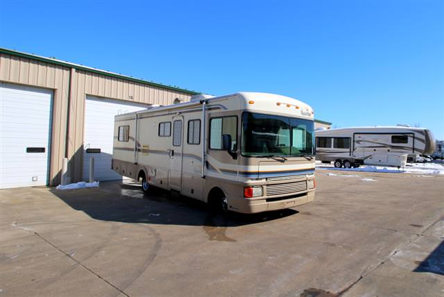 Used 1997 Fleetwood Bounder 32 Class A - Gas For Sale