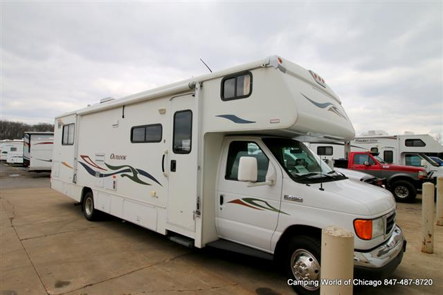 Buy a Used Winnebago Outlook in Wauconda, IL.