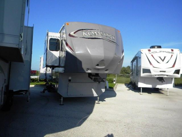 2012 Fifth Wheel Dutchmen Komfort