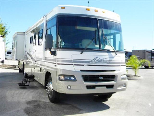 2004 Class A - Gas Winnebago Adventurer