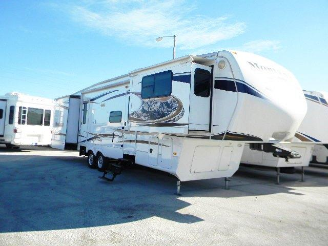 2012 Fifth Wheel Keystone Montana