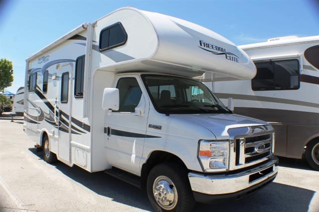 Used 2012 THOR MOTOR COACH Freedom Elite 23U Class C For Sale