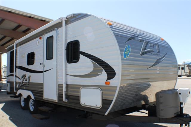 Used 2015 Crossroads Zinger Z-1 Travel Trailer For Sale