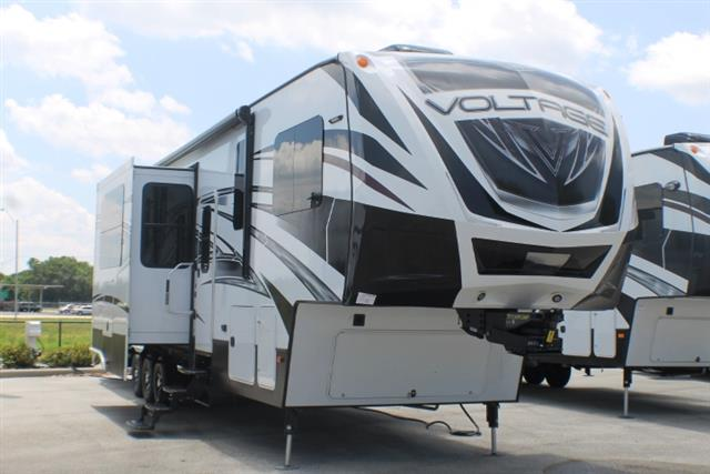 2016 Fifth Wheel Toy Hauler Dutchmen VOLTAGE