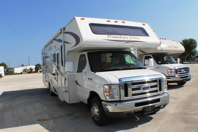 Used 2011 Thor Freedom Elite 31R Class C For Sale