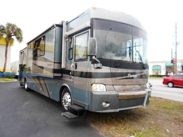 Buy a Used Itasca Horizon in Kissimmee, FL.