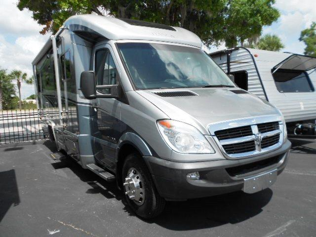Used 2009 Winnebago Navion IQ 24DL Class C For Sale
