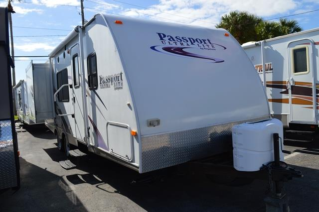 Used 2009 Keystone Passport 25BH Travel Trailer For Sale