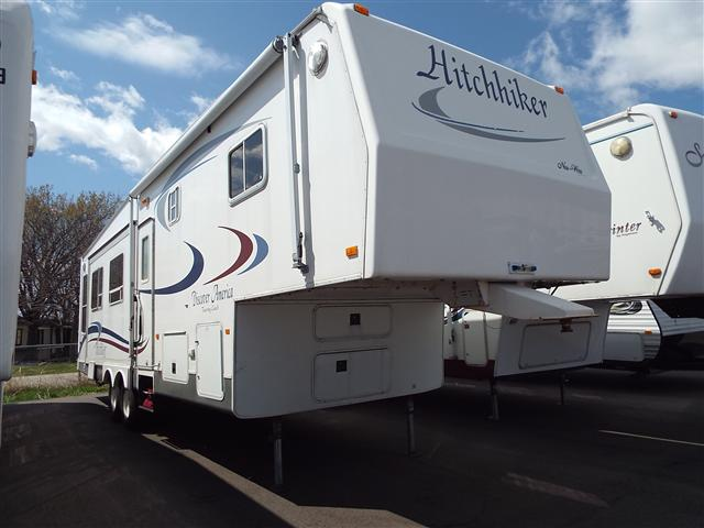 Used 2004 Nu Wa Hitchhiker 31.5 Fifth Wheel For Sale
