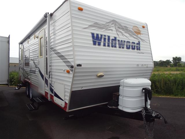 Used 2008 Forest River Wildwood 255L Travel Trailer For Sale