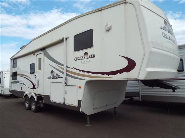 2005 Forest River Cedar Creek Silver Back