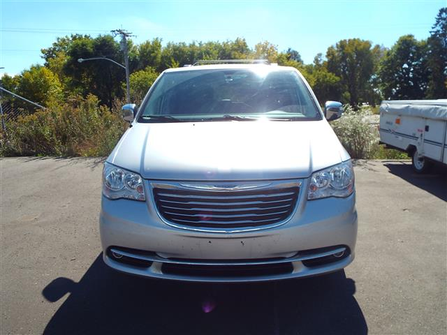 used 2011 chrysler town and country other for sale in madison wi mad572018 camping world. Black Bedroom Furniture Sets. Home Design Ideas