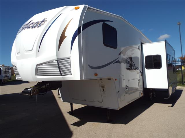 Used 2009 Forest River Wildcat 31QBSH Fifth Wheel For Sale